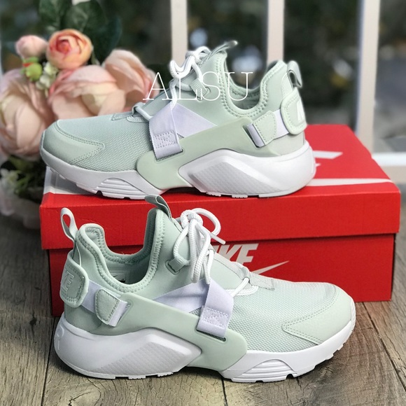 3d64d163c6fe NWT Nike Air Huarache City Low Barely Grey White W